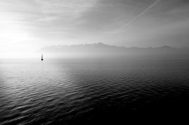 sailing-boat-569336_640